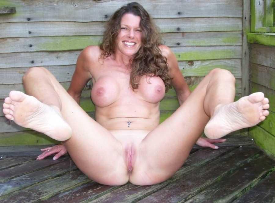 More nude women
