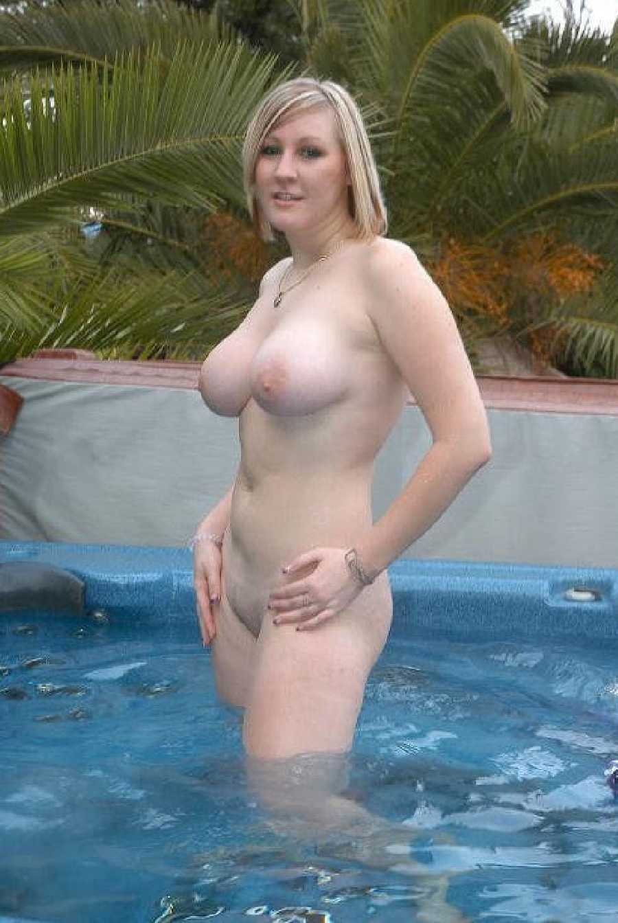 Hot tub flash tits