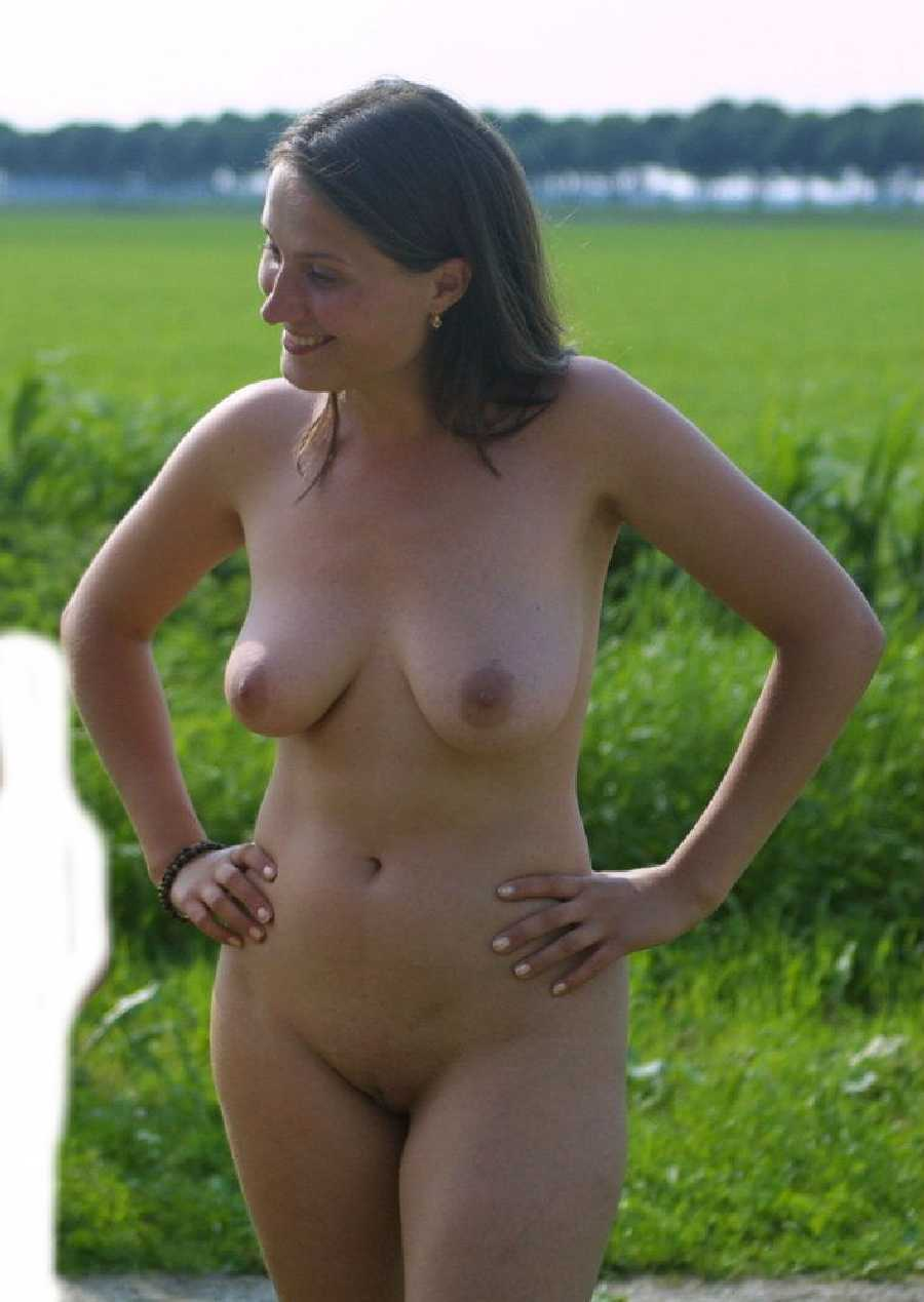public nudes - amateur girls flashing in public