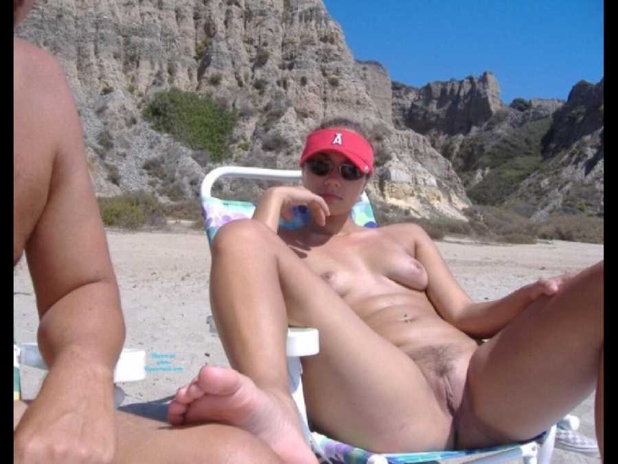 nude-beach-girls-open
