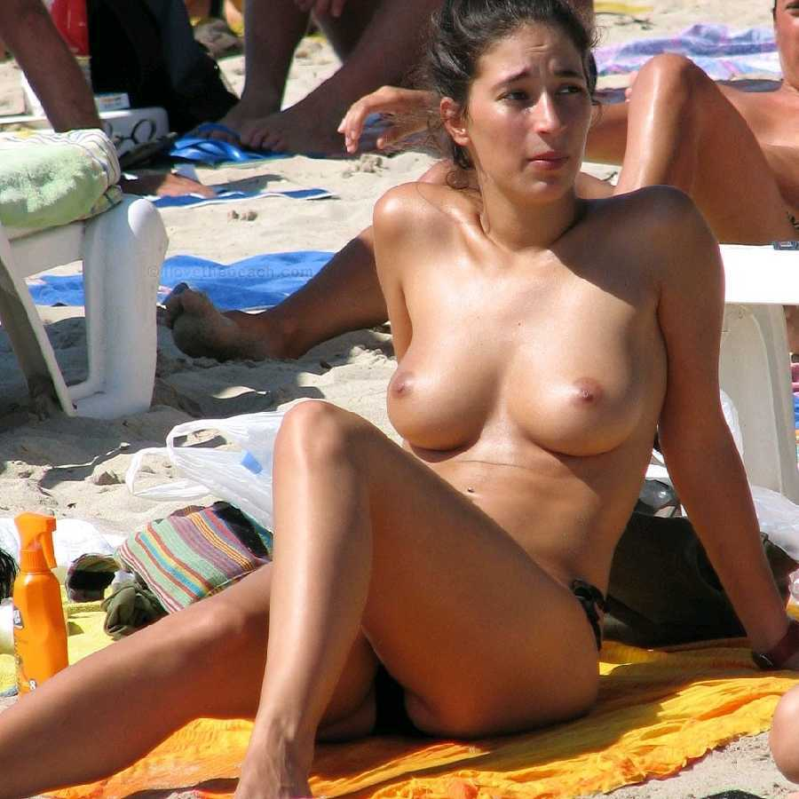 spain-girls-naked-photo