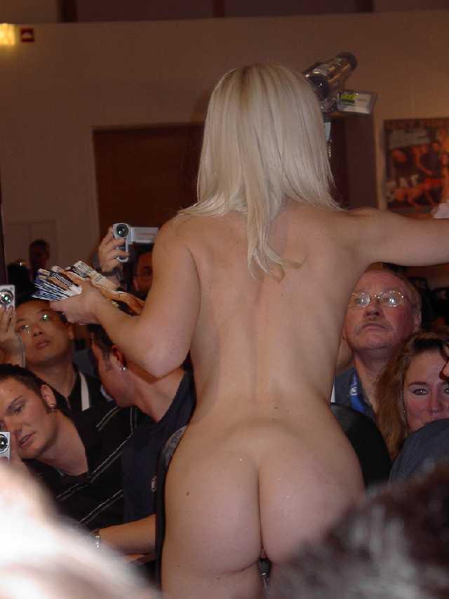 In Amatuer public girl naked