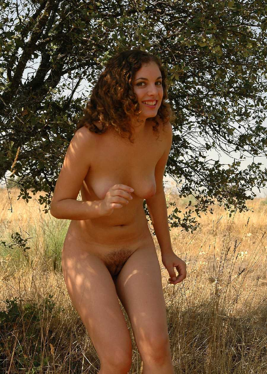 Nude photos of amateurs