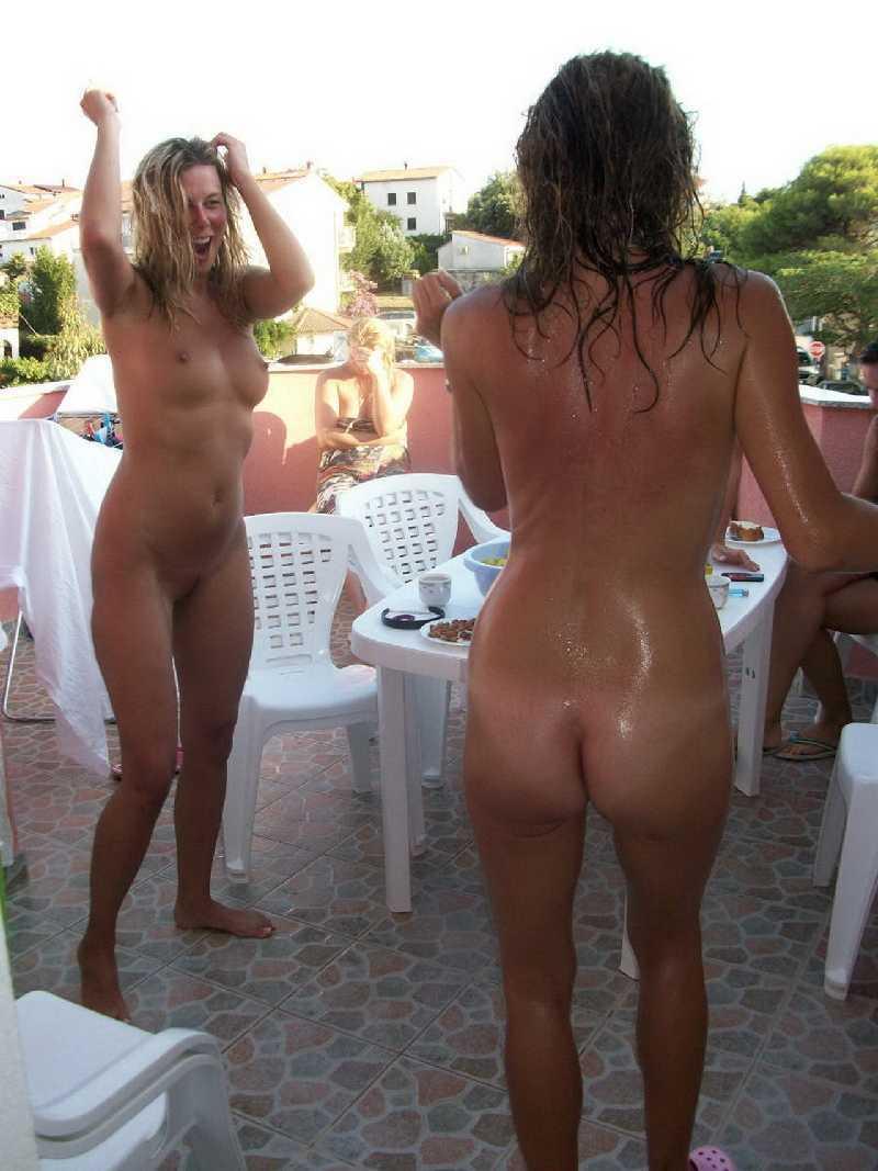 Milf naked in the hotel balcony hot girls wallpaper
