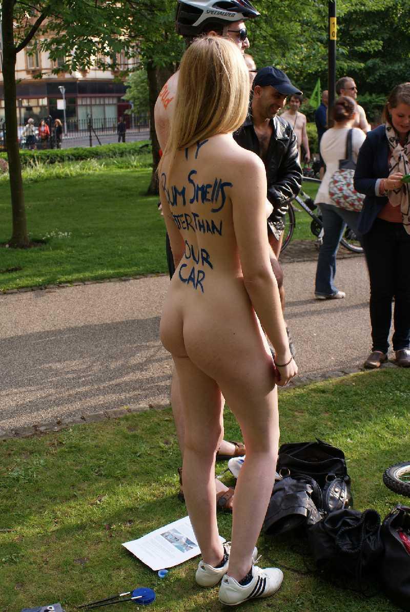 sexy naked girls - amateurs flashing nude