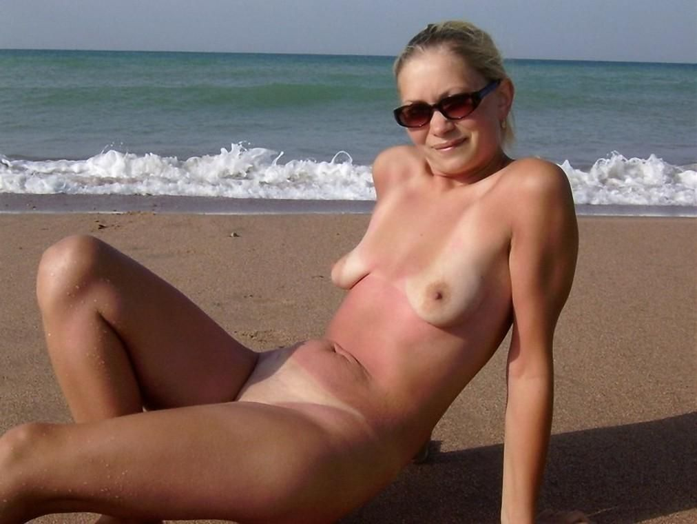Mommy breasted Nude small