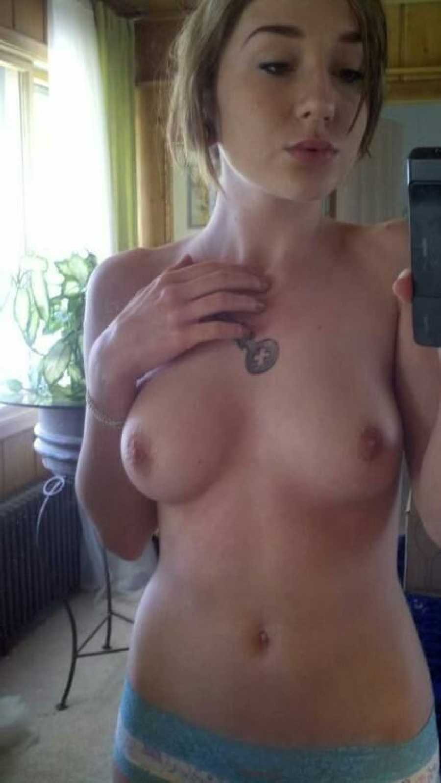 My gf naked pics