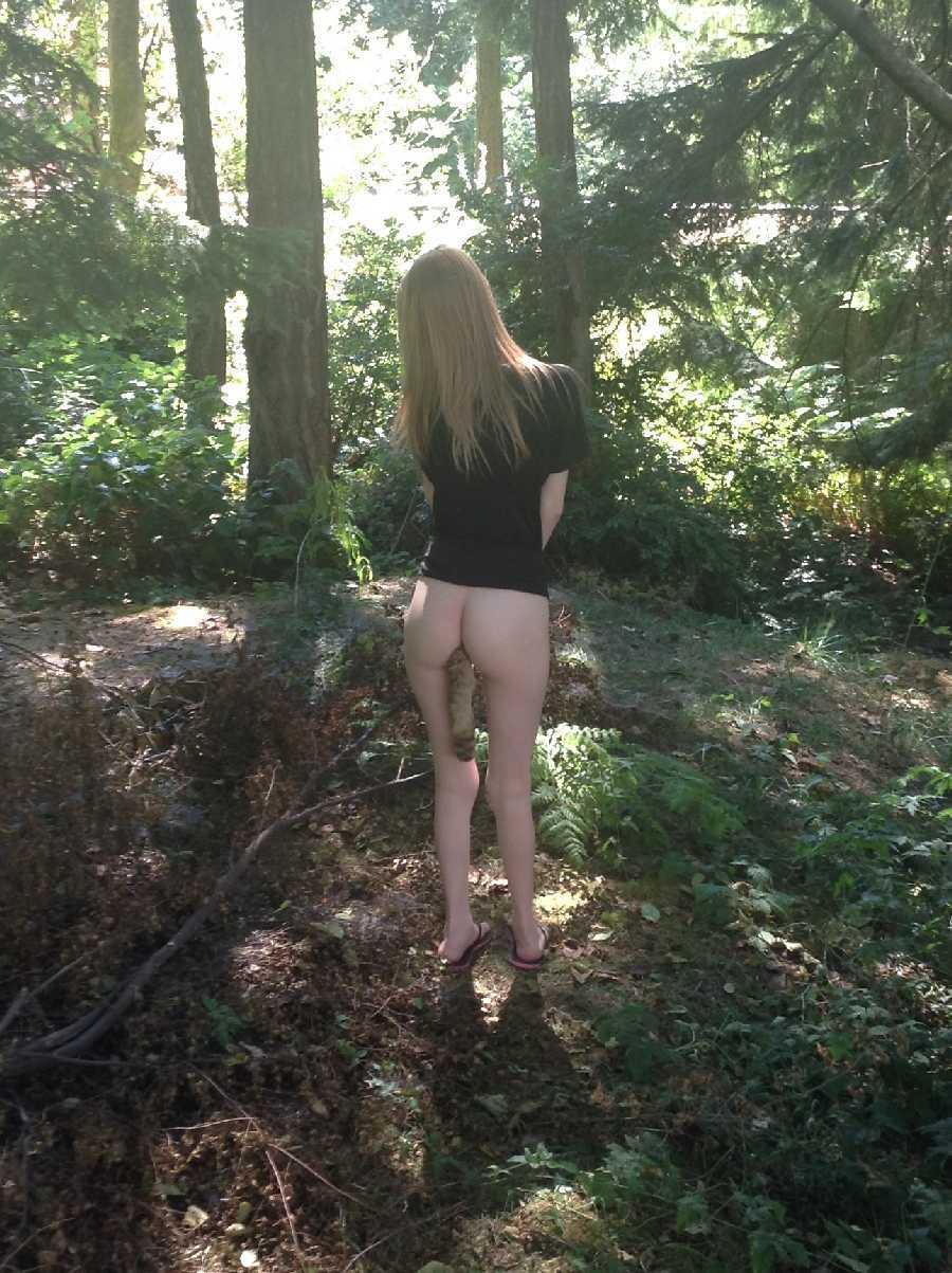 girl-butt-plug-nude