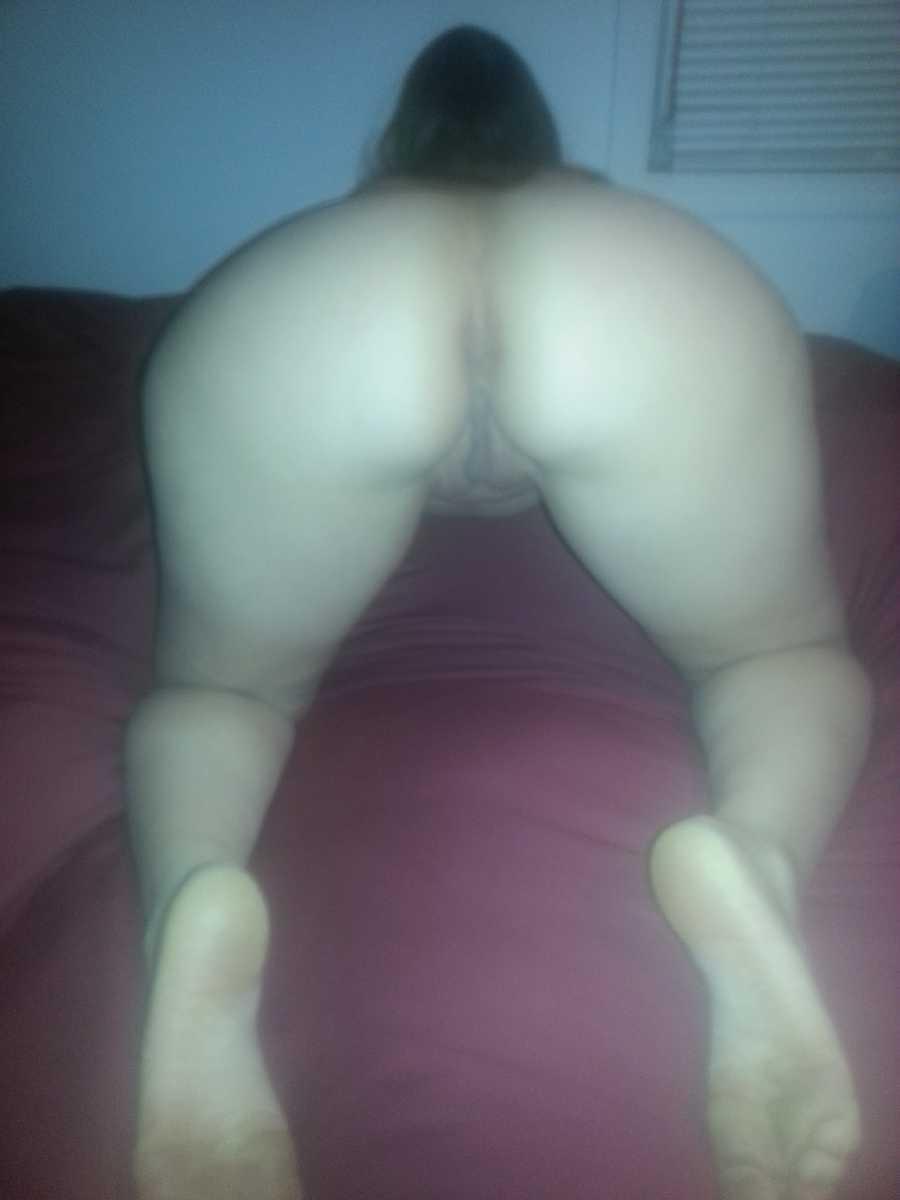 Nude amateur wife bent over ass
