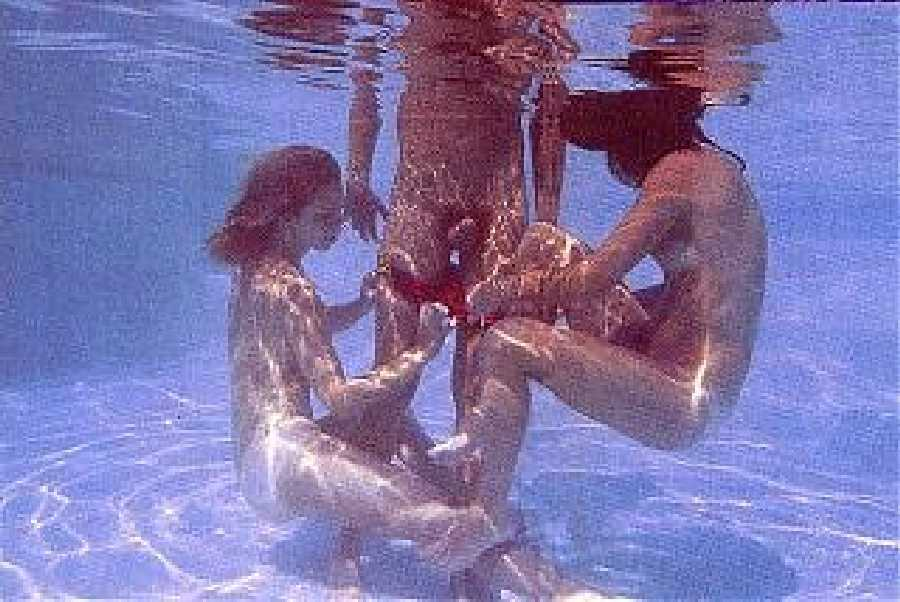 This Underwater Sex picture was submitted by Mike T.