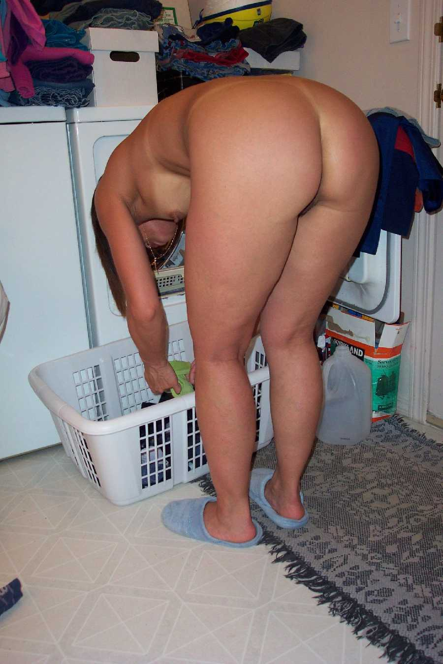 Naked girls doing housework pics, squirting girls porn online