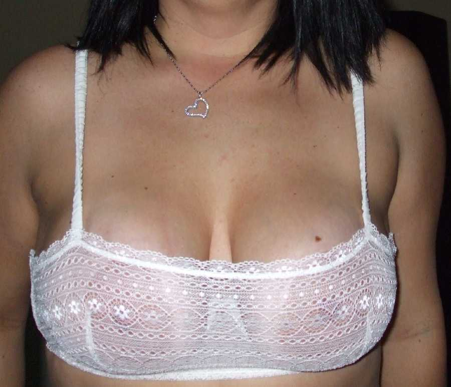 Wife shows nipples